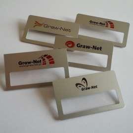 Idnetyfikator-dla-pracownikow-personalizowany-ndruk-logo-bezloga-uniwersalny